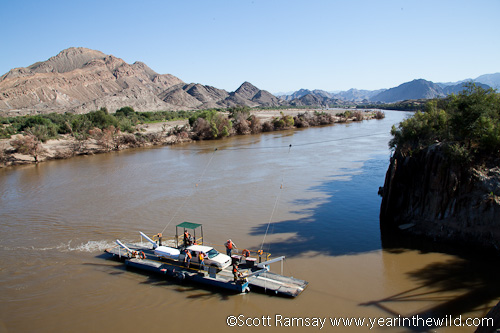 The pont from Namibia to South Africa across the Orange River