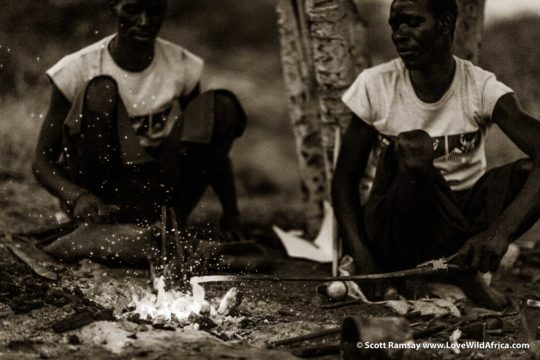 Samburu blacksmiths - Samburuland - Kenya