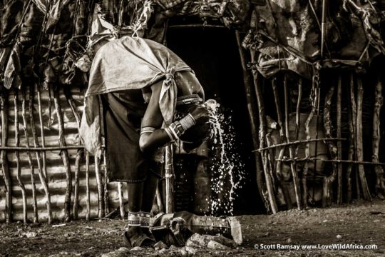 Samburu woman washing - Samburuland - Kenya